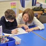 教科書や机がない?日本人がびっくりするイギリスの小学校のシステム。