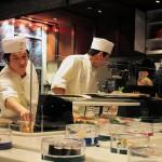 【回転寿司】普通と思ってたら大間違い!日本は超ハイテクの国なんですよ。